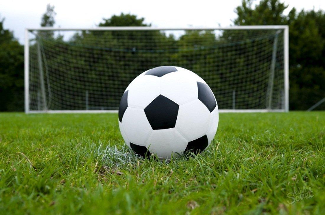 Oyunçu lazımsız penaltiyə səbəb oldu -