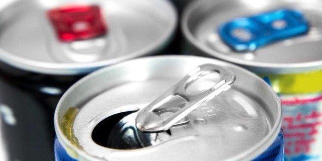Будет запрещена продажа энергетических напитков возле школ и детсадов